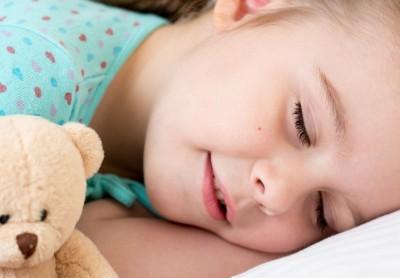 Psicologa oggetto transizionale separazione bambino castano primo magenta